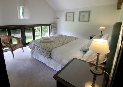 Window room with king-size bed